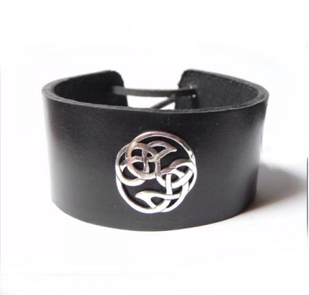 Armband mit keltischem Knoten