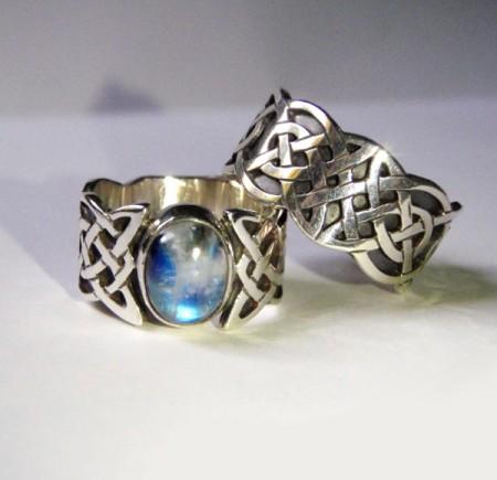Keltische Eheringe mit Mondstein