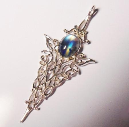 Kettenanhänger Mondstein mit Ornamenten