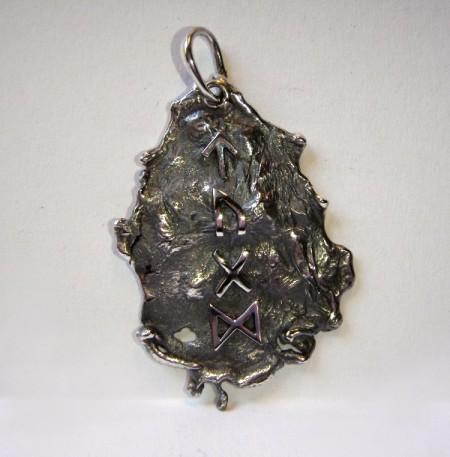 Keltischer Anhänger Silbernugget mit Runen